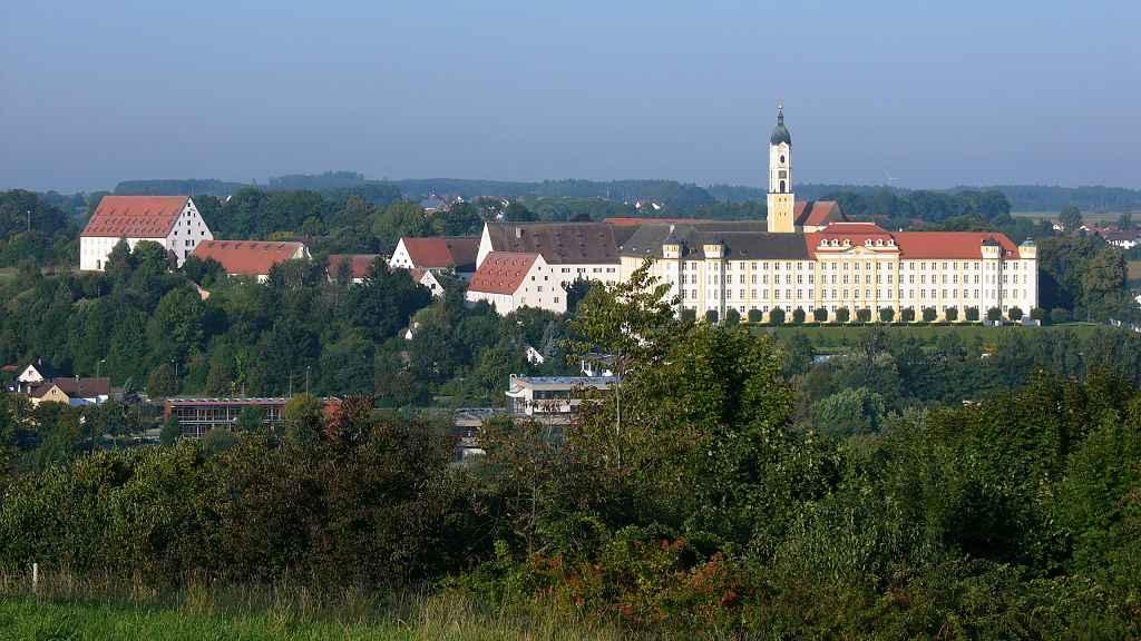 Bild zeigt Kloster Ochsenhausen, meint damit, dass die SEO Agentur hier tätig ist